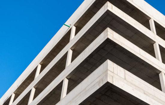 Hochhaus im Rohbau - bildlich für insolventen Immobilienfonds